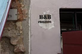 belã ge fã r treppen guest house prigioni house peschiera garda italy booking