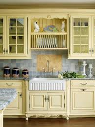 country kitchen furniture best 25 yellow country kitchens ideas on yellow