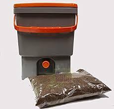 des vers dans la cuisine composteur de cuisine biobox 20l livré avec 1 kg d activateur bio