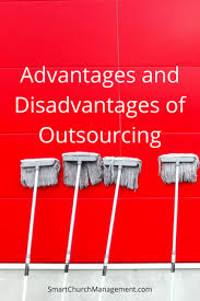 advantages and disadvantages of outsourcing png