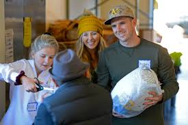 thanksgiving volunteer san diego concord navy seal donates 1 000 for turkeys