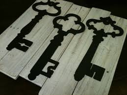 white washed vintage inspired skeleton key wall decor upcycled