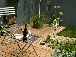 Small Courtyard Garden Design Ideas by Small Garden Ideas With Aromatic Herbs Planting Designforlife U0027s