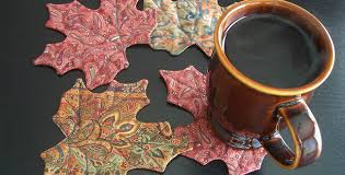 Maple Rugs Choose Beautiful Fabric For These Leaf Mug Rugs Quilting Digest