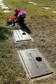 Vases Stolen From Cemetery Grave Robbers Target Bronze Vases In Queens Cemetery New York Post