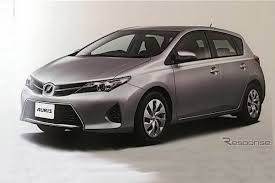 auris new toyota auris pictures leak auto express