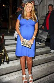 she u0027s having a boy claire sweeney flaunts pregnancy curves in
