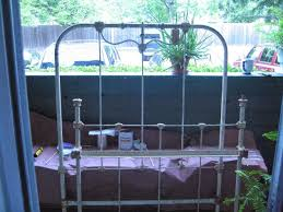 Girls Iron Beds by Iron Bed Iron Beds A Life Vintage Headboard Or Two