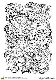 coloriage d u0027un superbe mandala très complexe avec un mélange de fleurs