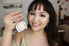 hourglass ambient lighting powder review new hourglass ambient strobe lighting powders review jessica kent