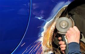 memilih jenis reparasi ketok bodi mobil kenali dulu efek sinya
