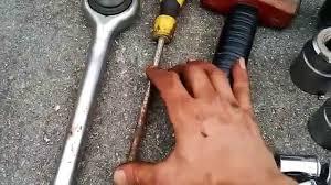 05 vibe front wheel bearing change diy youtube