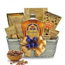 crown royal gift set send a crown royal whisky gift set with 3d collectors glass online