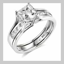 lively wedding band wedding ring engagement ring and wedding band don t sit flush