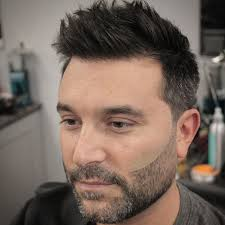 hairstyles for large heads best haircuts for guys with round faces men s haircuts