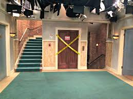 the big bang theory behind the scenes set photos and videos glamour