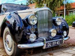 vintage bentley grill blue classic car free image peakpx