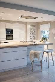 cuisine contemporaine blanche cuisine contemporaine design incroyable la cuisine blanche et bois