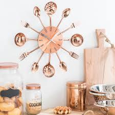 deco cuisine maison du monde horloge avec couverts en métal cuivré d 38 cm copper solna