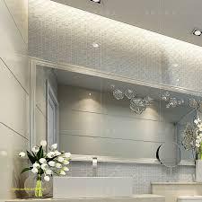 carrelage en verre pour cuisine cuisine avec carrelage mosaique pour carrelage salle de bain beau