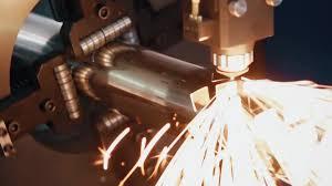 gweike hot sell precision fiber laser cutting machine 600x400mm gweike hot sell precision fiber laser cutting machine 600x400mm small working size