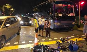 beating the red light teen on e bike collides with elderly cyclist in hougang after