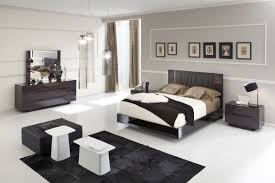 modern furniture to harmonize the brown colored walls of your