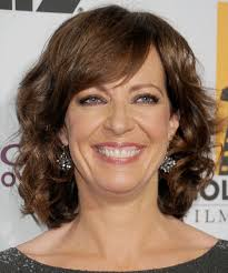 collarbone length wavy hair hairstyles medium length wavy hairstyles for women over 40
