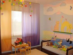 fresque murale chambre bébé design interieur fresque murale chambre enfant chats couleurs