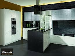 granit küche schwarzer granit in der küche eleganter luxus für den kochbereich