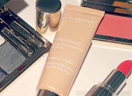 instant light complexion perfector clarins instant light complexion illuminating base 02 chagne