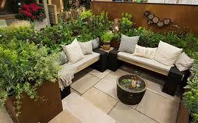 impressive small area gardening small garden ideascadagucom small
