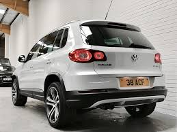 volkswagen suv white volkswagen tiguan 2 0 summit tdi 4motion 5dr automatic for sale in