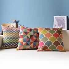 coussin décoratif pour canapé coussins colores