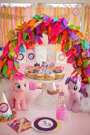 my pony party ideas the coop s ribbon tassel arch decor cupcakes by blue cupcake