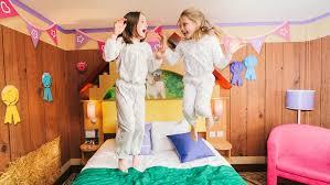 LEGOLAND Hotel Deals LEGOLAND Windsor Resort Hotel - Hotels with family rooms near legoland