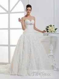 wedding dresses that you look slimmer wedding dresses ivory lace fit and flare wedding