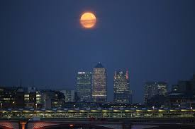 Strawberry Moon Strawberry Moon In London Summer Solstice Coincides With