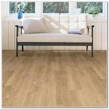 Laminate Floor Vs Hardwood High End Laminate Flooring Vs Hardwood Flooring Interior
