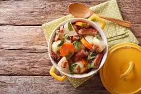 cuisine irlandaise traditionnelle le plat irlandais traditionnel est gâtent avec les saucisses le