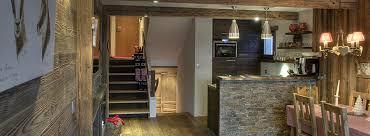 cuisine vieux bois aménagement inérieur chalet vieux bois travaux d aménagement et