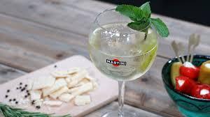 martini bianco martini e tonic voor wie eens iets anders wil dan de gin tonic