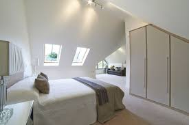 Maximize Space Small Bedroom by 8 Bedroom Decor Tips To Maximize Space In A Small Room The Rise