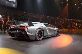 Lamborghini Veneno Yellow - the lamborghini veneno is awesome scary but awesome