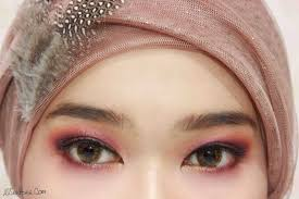 Aplikasi Eyeshadow Sariayu ulasan eyeshadow sariayu color trend 2015 inspirasi papua p02 dan p03