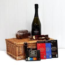 prosecco u0026 chocolate lovers gift hamper luxury wicker gift