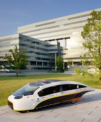 Solar Power Traffic Lights by Stella Vie Is The Solar Powered Car With Room For The Whole Family