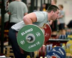 strength training nutrition guide packing on the pounds u football players rely on nutrition