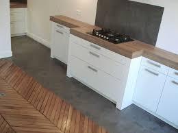 béton ciré sol cuisine ilot cetral de cuisine avec sol en béton citré et meubles de cuisine