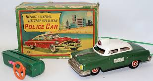 remote control police car with lights and siren vintage 50 s tin bat op remote controlled police car by linemar marx